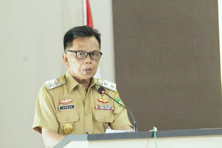 Foto Wakil Bupati Kabupaten Kepulauan Meranti, AKBP (Purn) H. Asmar saat menghadiri kegiatan Sosialisasi.