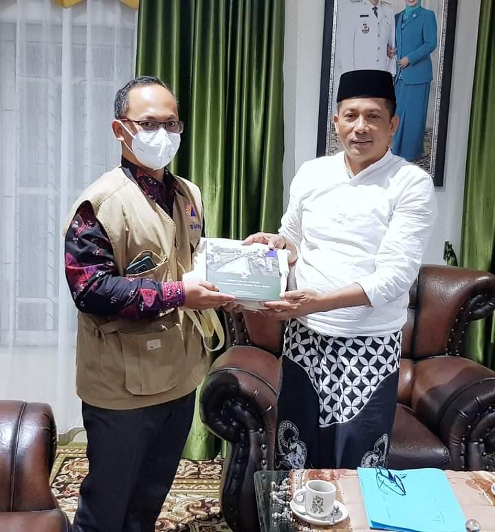 Bupati Kabupaten Kepulauan Meranti, H. Muhammad Adil. SH Bersama Badan Nasional Penanggulangan Bencana (BNPB) RI, Direktorat Mitigasi Bencana Deputi Bidang Pencegahan