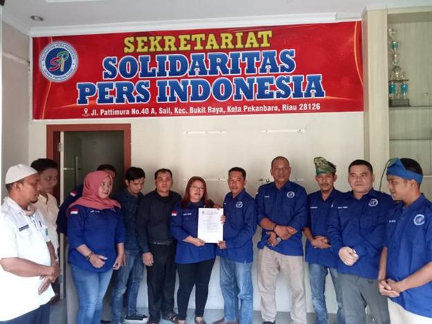 Foto Sekjend Solidaritas Pers Indonesia (SPI), B Anas sangat bersama anggota SPI Riau.