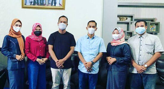 Foto LM2R Bengkalis saat Silahturahmi Di Kediaman Syahrial Wakil Ketua Dua DPRD Bengkalis.