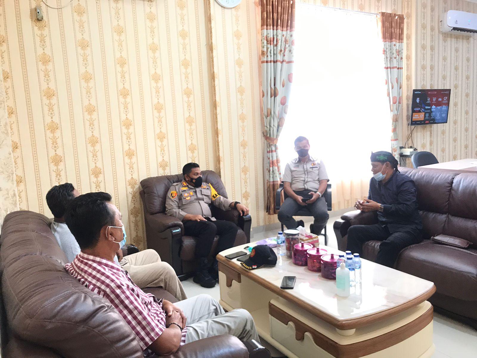 Foto saat silaturahmi Pimpinan Cabang Nahdlatul Ulama (PCNU) kepada Kapolres Meranti.