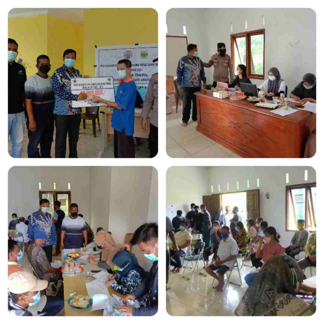 Desa Tinjul Kabupaten Lingga Laksanakan Kegiatan Vaksinasi Yang Disejalankan Dengan Penyerahan BLT