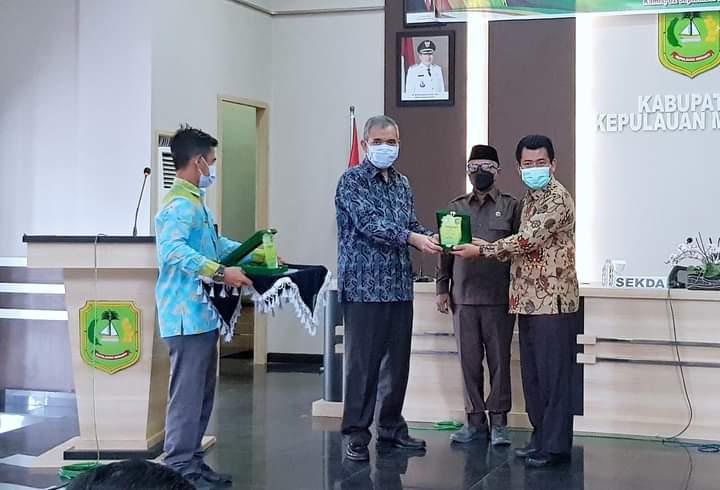 Foto Sekretaris Daerah Dr. H. Kamsol saat melakukan kegiatan Pengabdian kepada masyarakat.