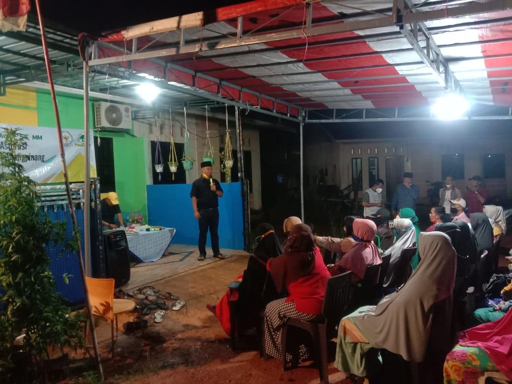 Foto TJA saat malakukan kegiatan reses bersama warga.