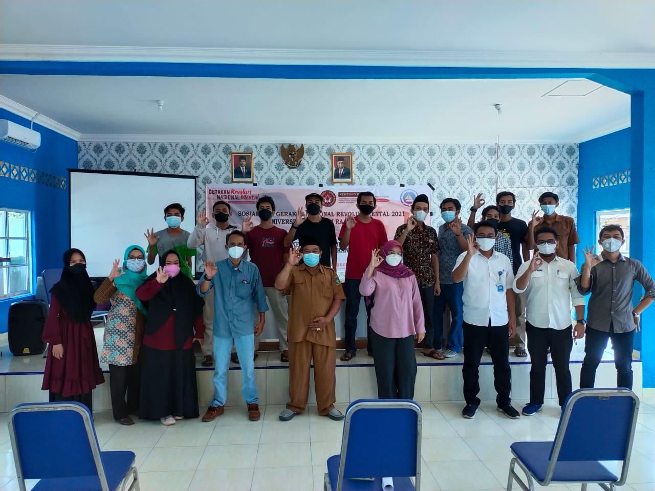 Foto Bersama Panitia, Narasumber dan Peserta Kegiatan GNRM UMRAH Di Desa Teluk Bakau Kabupaten Bintan.