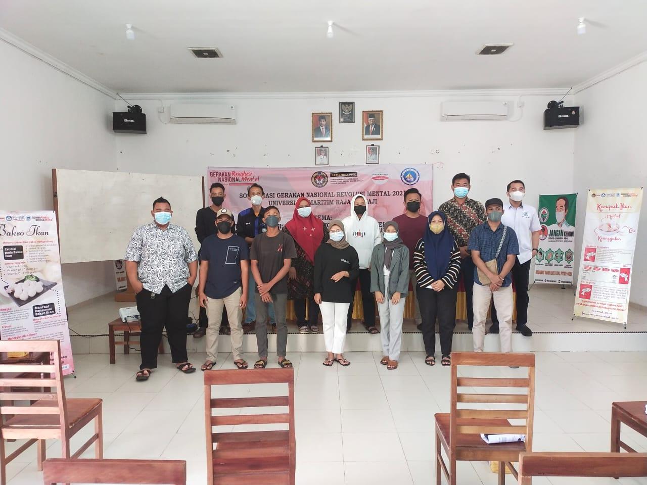 Foto Bersama Panitia, Peserta dan Narasumber Kegiatan GNRM UMRAH Di Desa Malang Rapat Kabupaten Bintan.