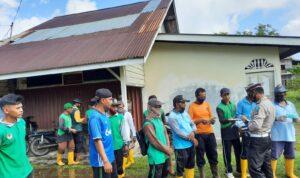 Pembagian Masker Dan Helem Gratis Kepada Pekerja DLH Kabupaten Lingga Kepada Petugas Kebersihan