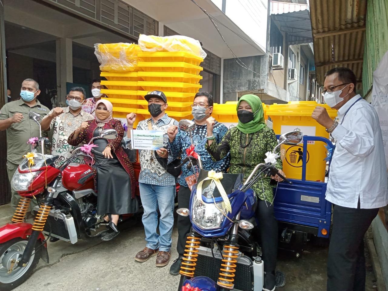 Foto Bantuan Yang Diberikan Oleh KKP-RI Kepada Kelompok Penggiat Sampah Tanjungpinang.