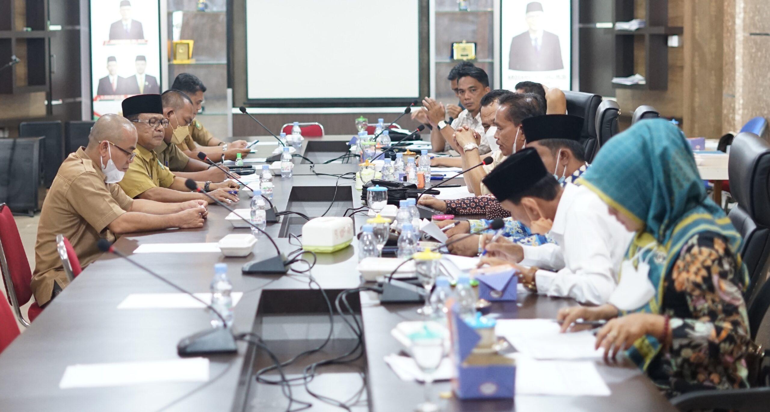 Foto DPRD komisi I Meranti saat membahas bersama OPD Terkait.