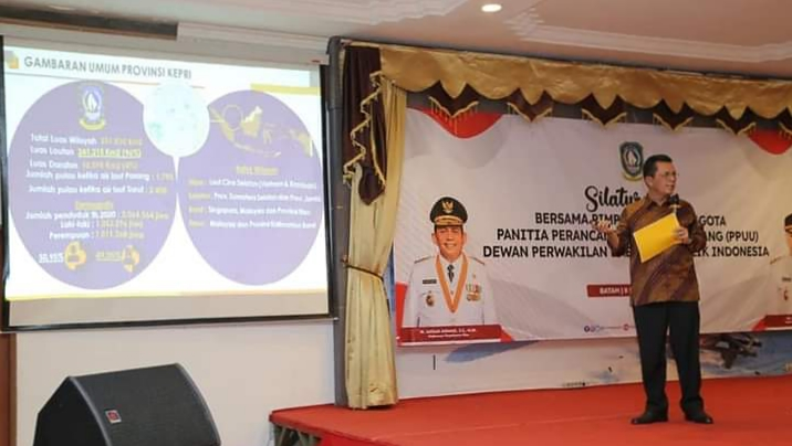 Pemaparan Oleh Gubernur Kepri, H.Ansar Ahamad Tentang Potensi Kepulauan Riau