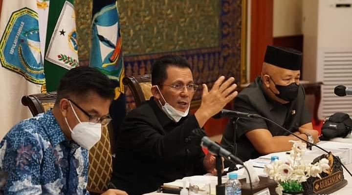 Pemaparan Gubernur Ansar Saat Rapat Bersama Sestama Bappenas Terkait Proyek Pembangunan Strategis Di Kepri.