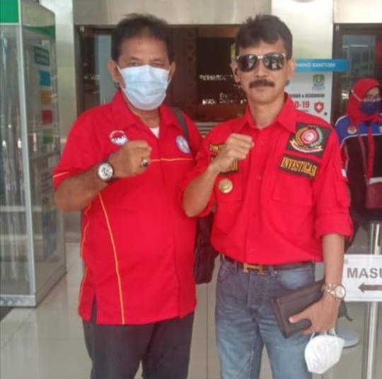 Foto Tohom Sinaga (kanan) Ketua Umum Forkorindo.