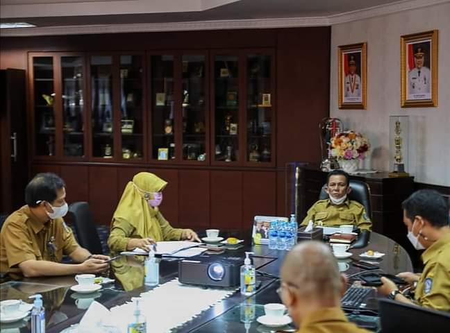 Dalam Ratas Gubernur Ansar Juga Meminta Agar Lahan Yang Sudah Bebas Dan Belum Bebas Diberi Tanda Batas (Foto Humpro)