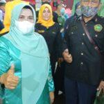 Walikota Tanjungpinang, Hj. Rahma. S.ip dan Ketua Pelaksana Khitanan Massal AKP (Purn) Datok Wan Syaharuddin.