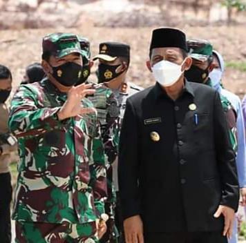 Panglima TNI Marsekal TNI Hadi Tjahjanto dan Gubernur Kepri, H. Ansar Ahmad