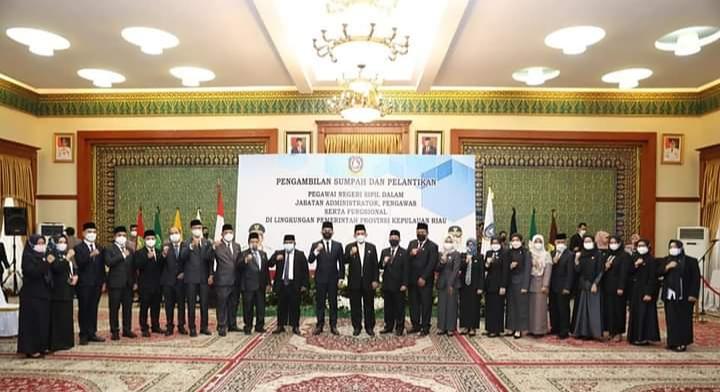 Gubernur Ansar Foto Bersama Pejabat Esselon II Dan III Yang Baru Dilantik